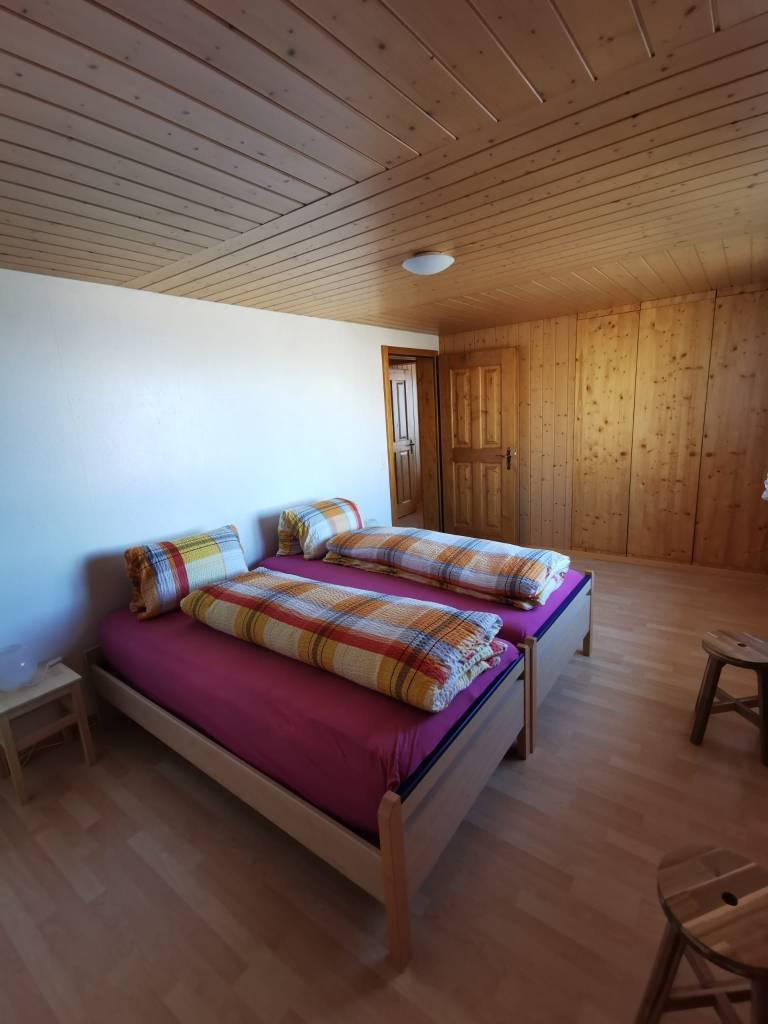 Schlafzimmer (2 Einzelbetten)