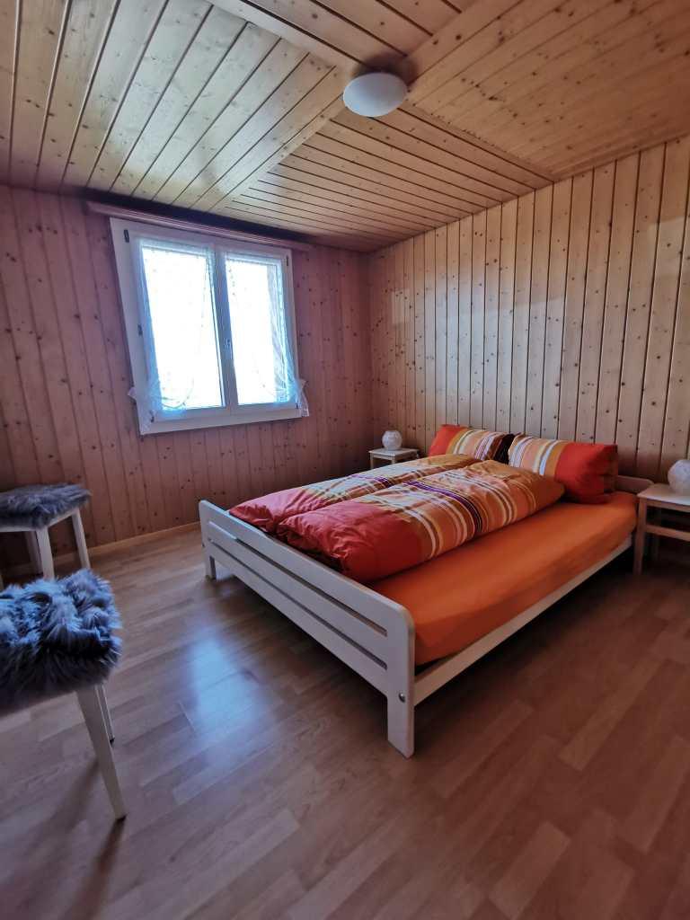 Schlafzimmer (1 Doppelbett)