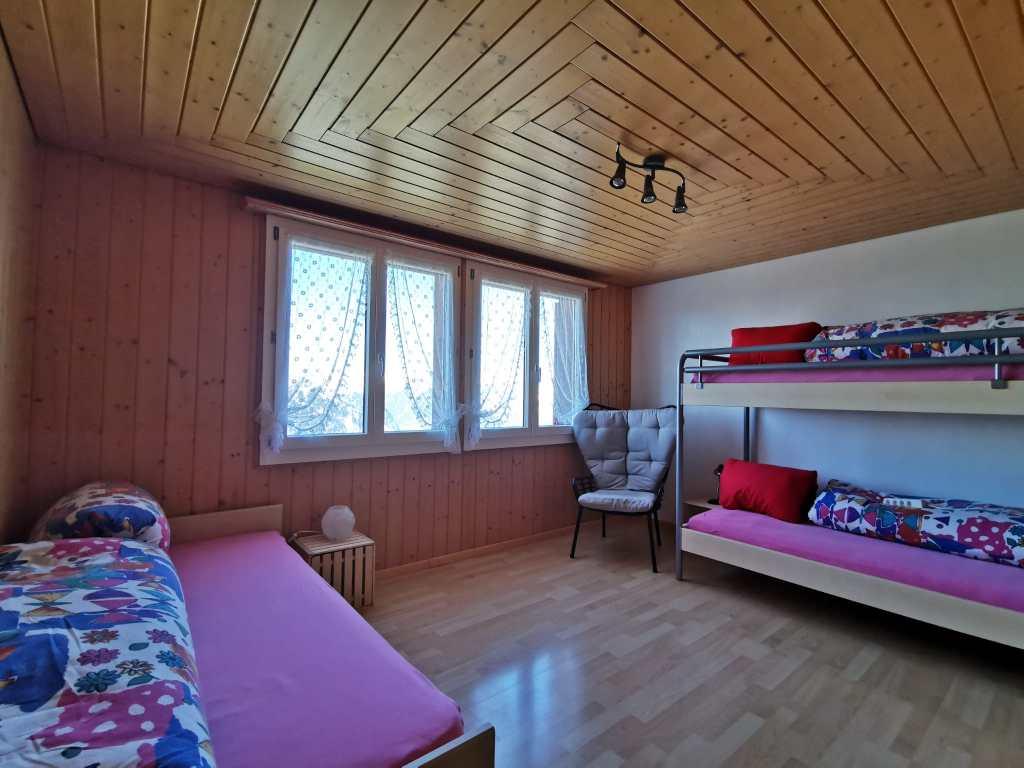 Schlafzimmer Kinder (1 Kajütenbett, 1 Einzelbett)